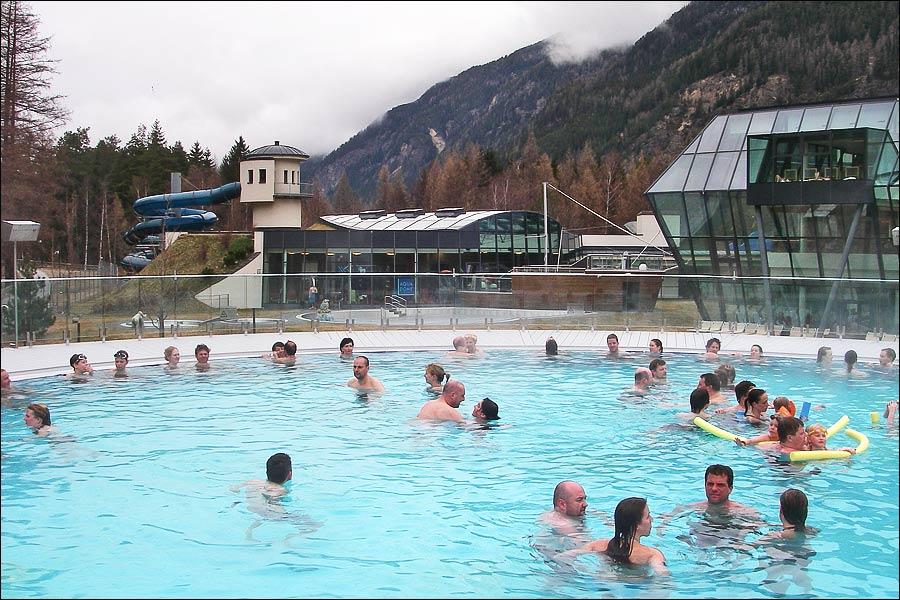 Langenfeld Austria  City pictures : interno dell'Aqua Dome è caratterizzato da due grandi vasche di ...